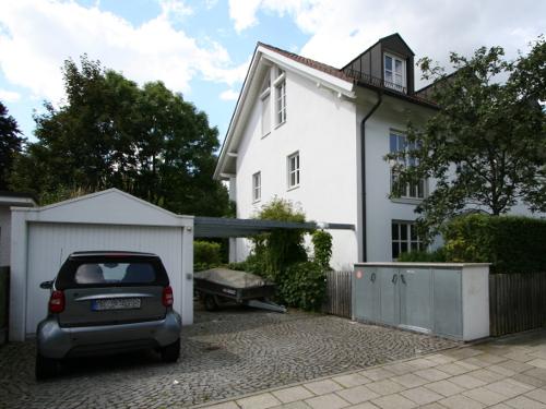 Doppelhaushälfte in 81377 München verkauft